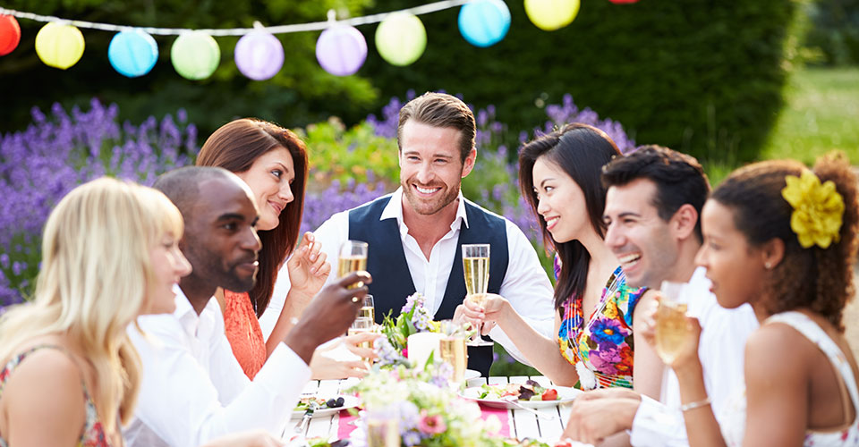 outdoor-party-adults-960x500